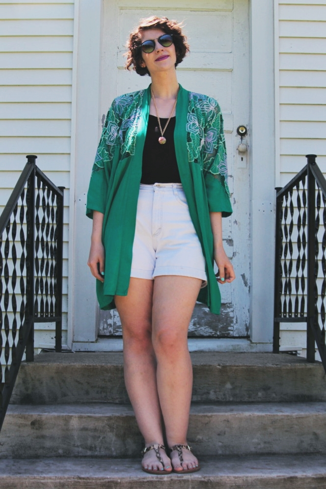 Outfit: Denim high waisted shorts, vintage green kimono, purple lipstick.