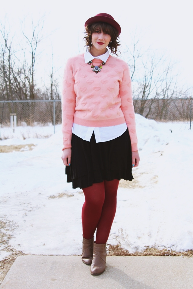 valentines-day-heart-sweater-outfit-01