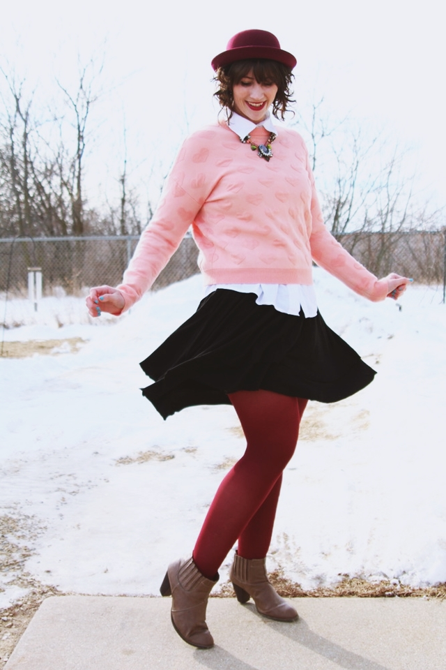 valentines-day-heart-sweater-outfit-03