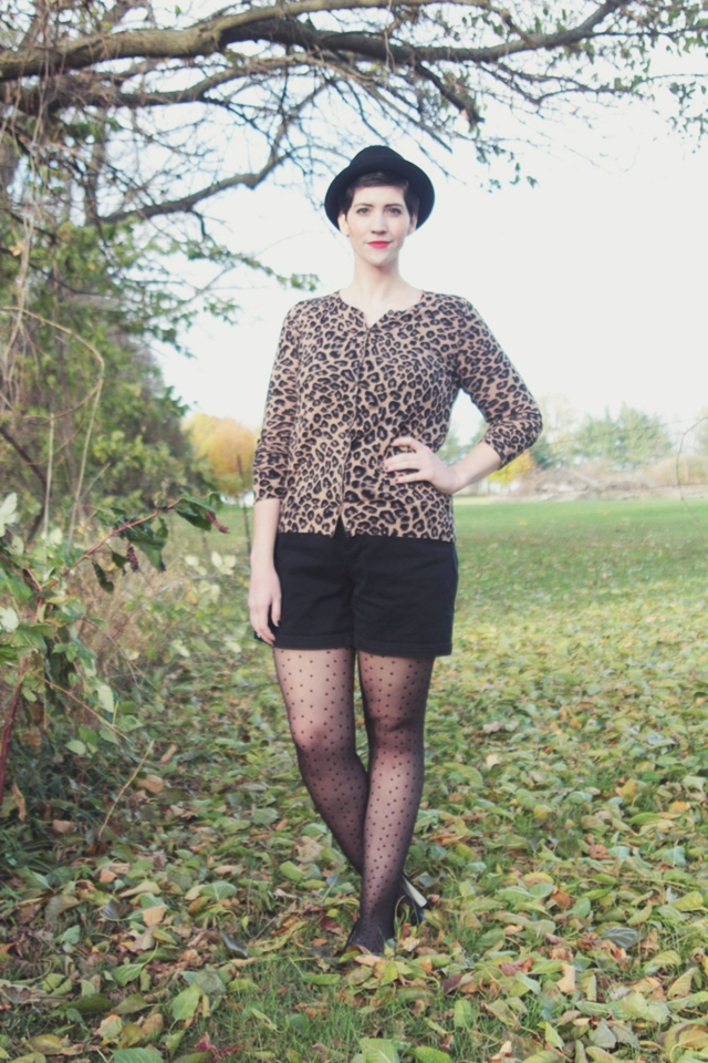 lady_in_leopard_001