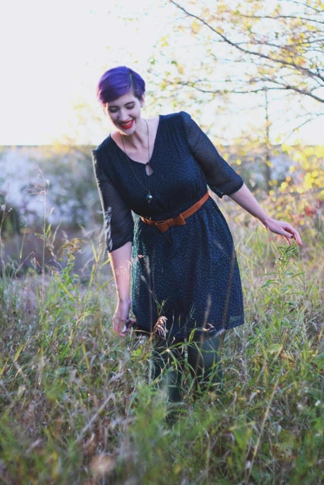 Outfit: Navy blue dress, forest green tights, cognac bow belt, red lipstick, purple pixie cut