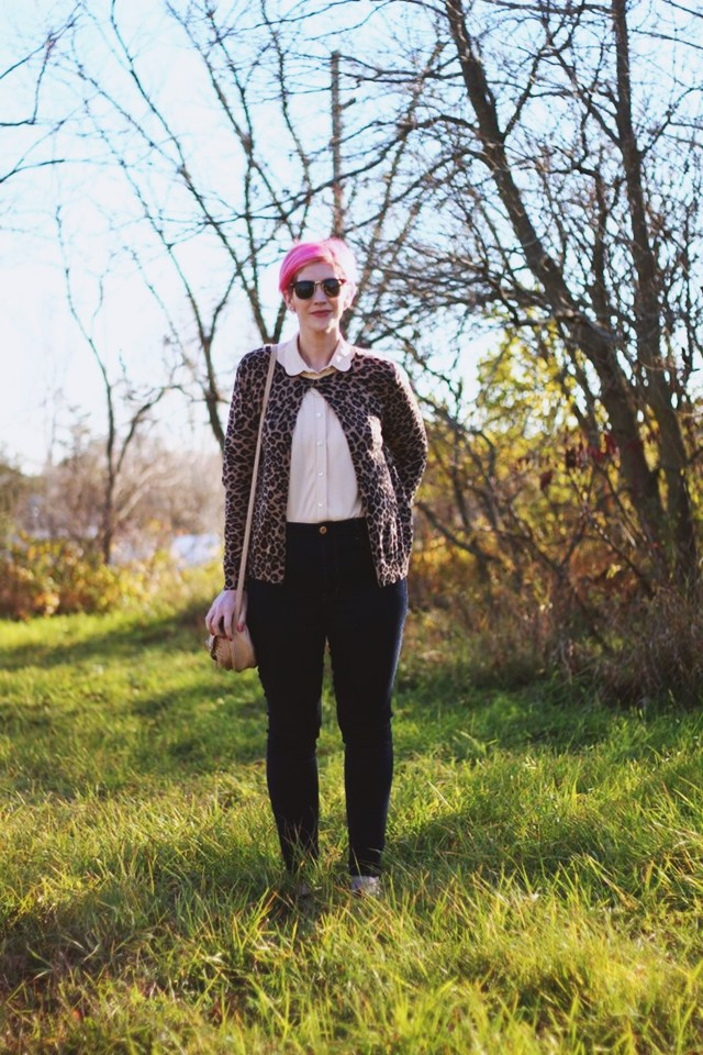 Outfit: Peach grandma blouse, leopard print cardigan, dark wash high waisted denim jeans, small beige ASOS purse, pink pixie cut