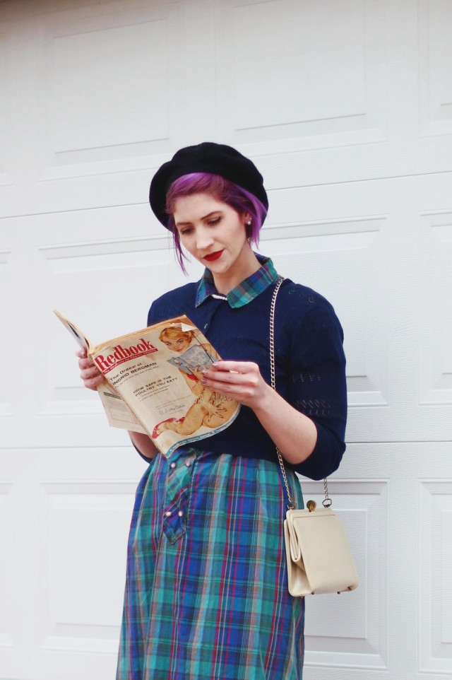 1950s-inspired-outfit-plaid-dress-05