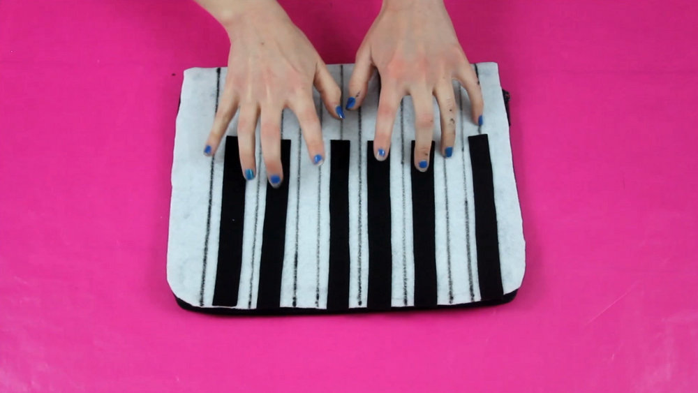 DIY Piano Keyboard Clutch | Fashion Flashback | www.theoutfitrepeater.com