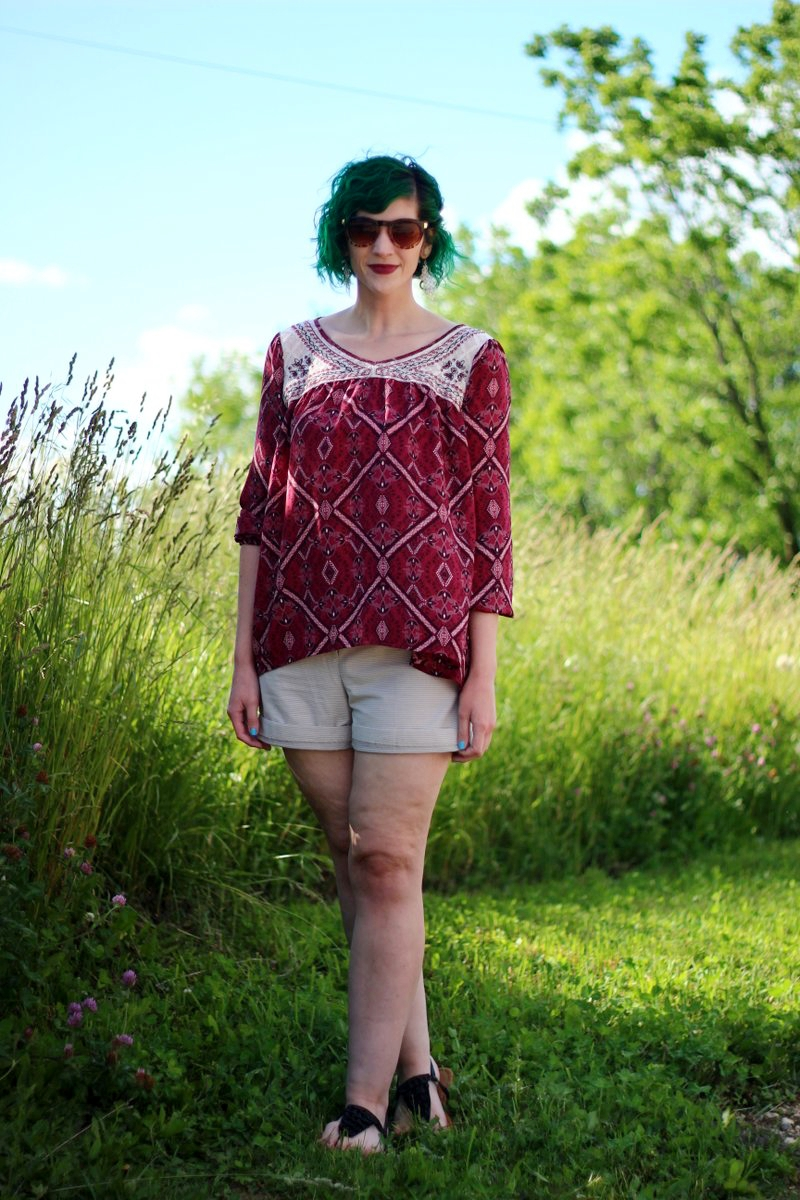 red-peasant-blouse-festival-fashion-outfit-05