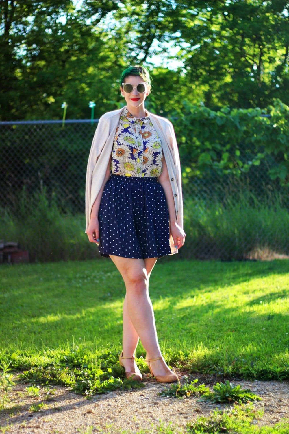 sunglasses-green-hair-vintage-floral-thrifted-summer-outfit-05