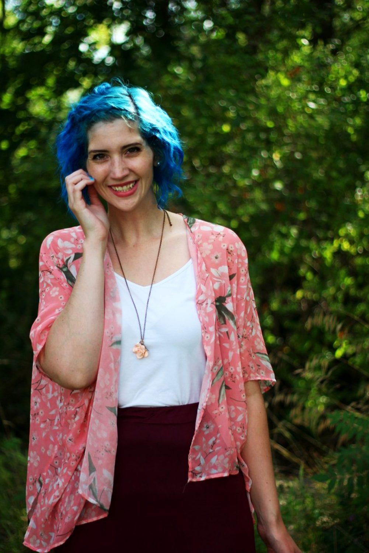 pink-kimono-maroon-maxi-skirt-blue-hair-outfit-03