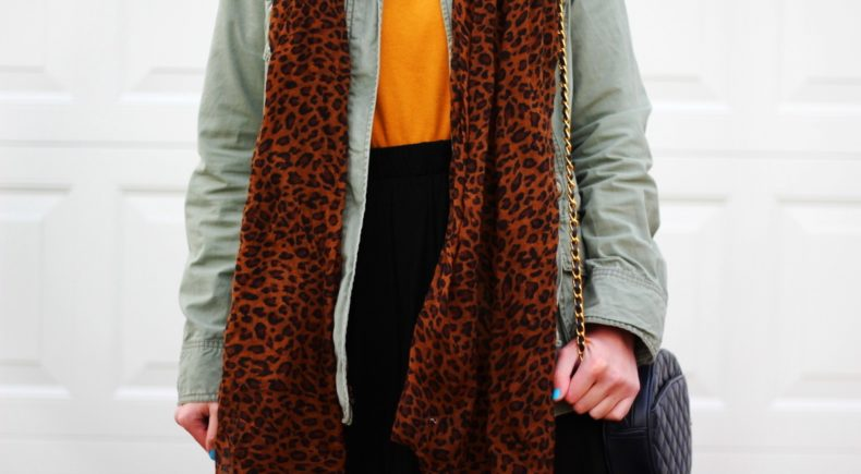 mustard-yellow-turtleneck-leopard-print-outfit-02