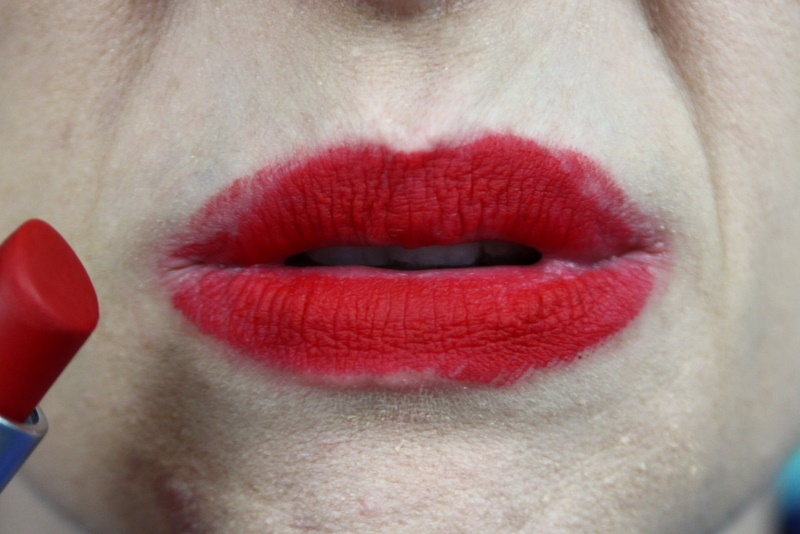 mac ruby woo red lipstick