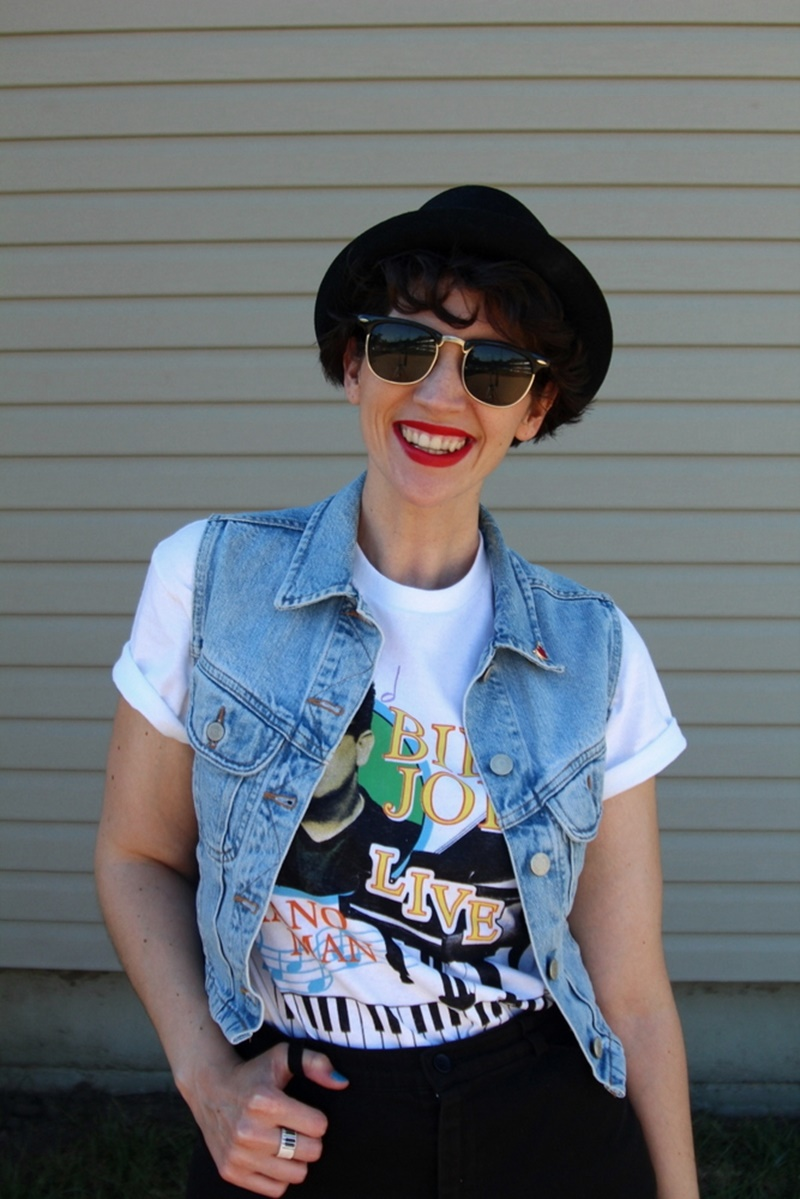 What I Wore For a Legendary 1980s Concert + Thrifting Weekend