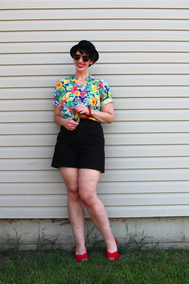 Dressing Up a Hawaiian Print Shirt #LiveFromThe80s