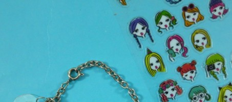 DIY Charm Bracelet Inspired By The 1980s